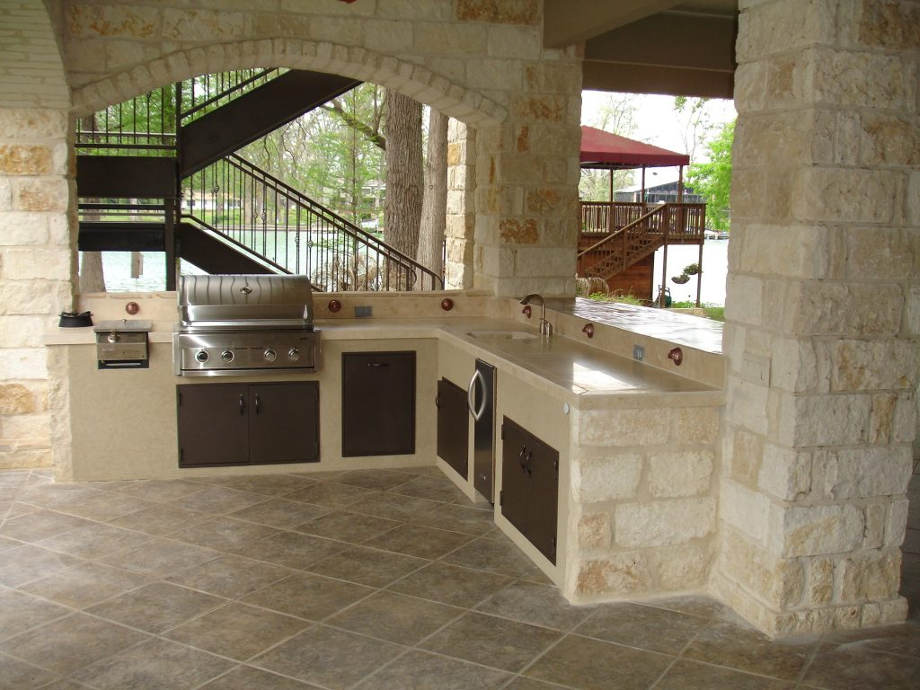 2 Ultimate All Weather Countertops For The Patio Kitchen